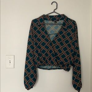 Geometric patterned cropped blouse size M
